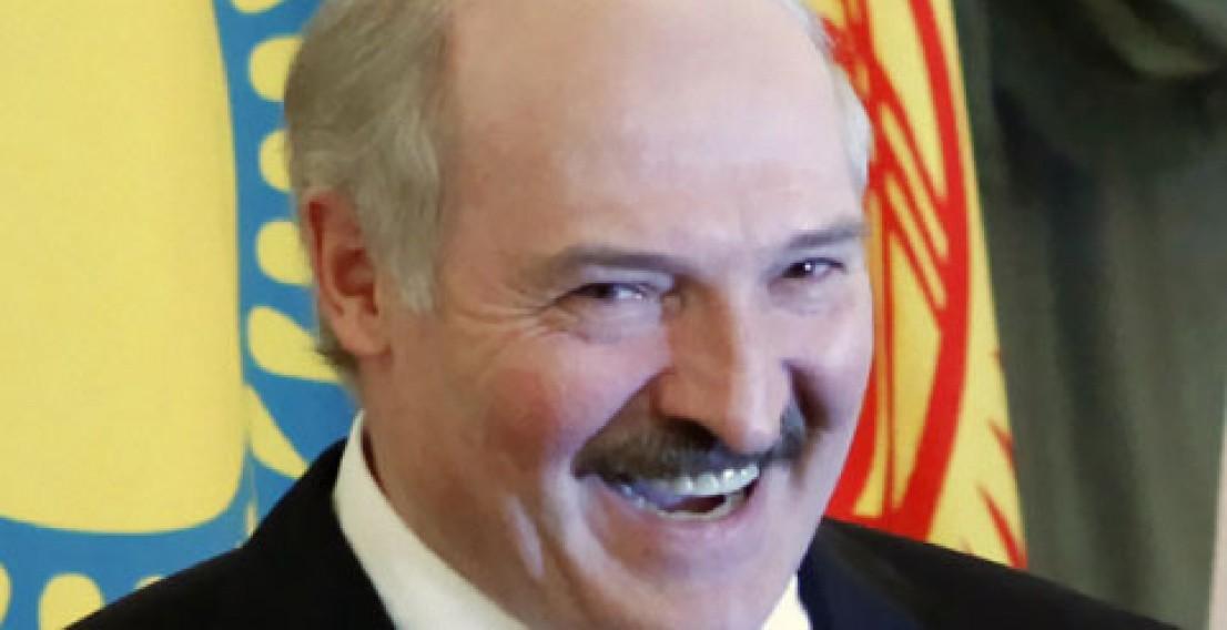 Лукашенко будет вести расчёты с Россией только в долларах и евро