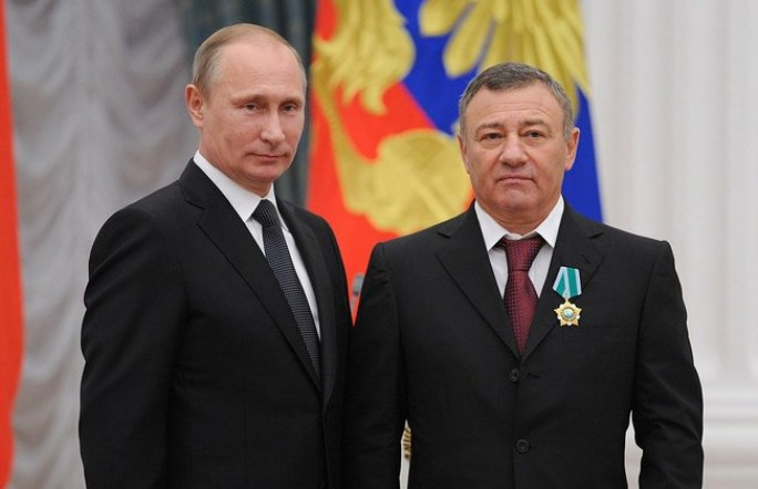Кореш Путина построит мост в Крым