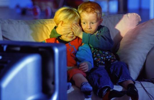 Учёные доказали, что у детей не портится зрение от компьютера, телевизора и книг