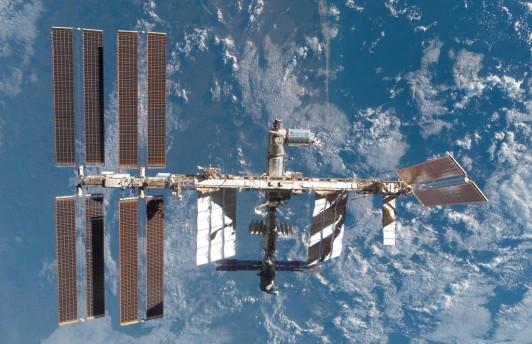 Центр управления полётами успешно скорректировал орбиту МКС