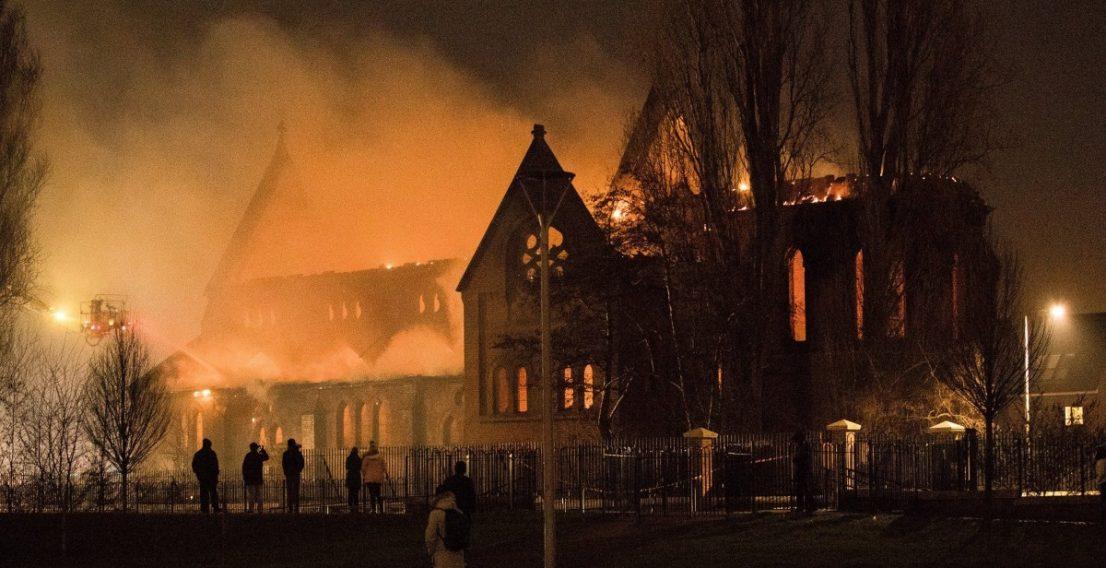 Фото: Пожар в британской церкви 19-го века